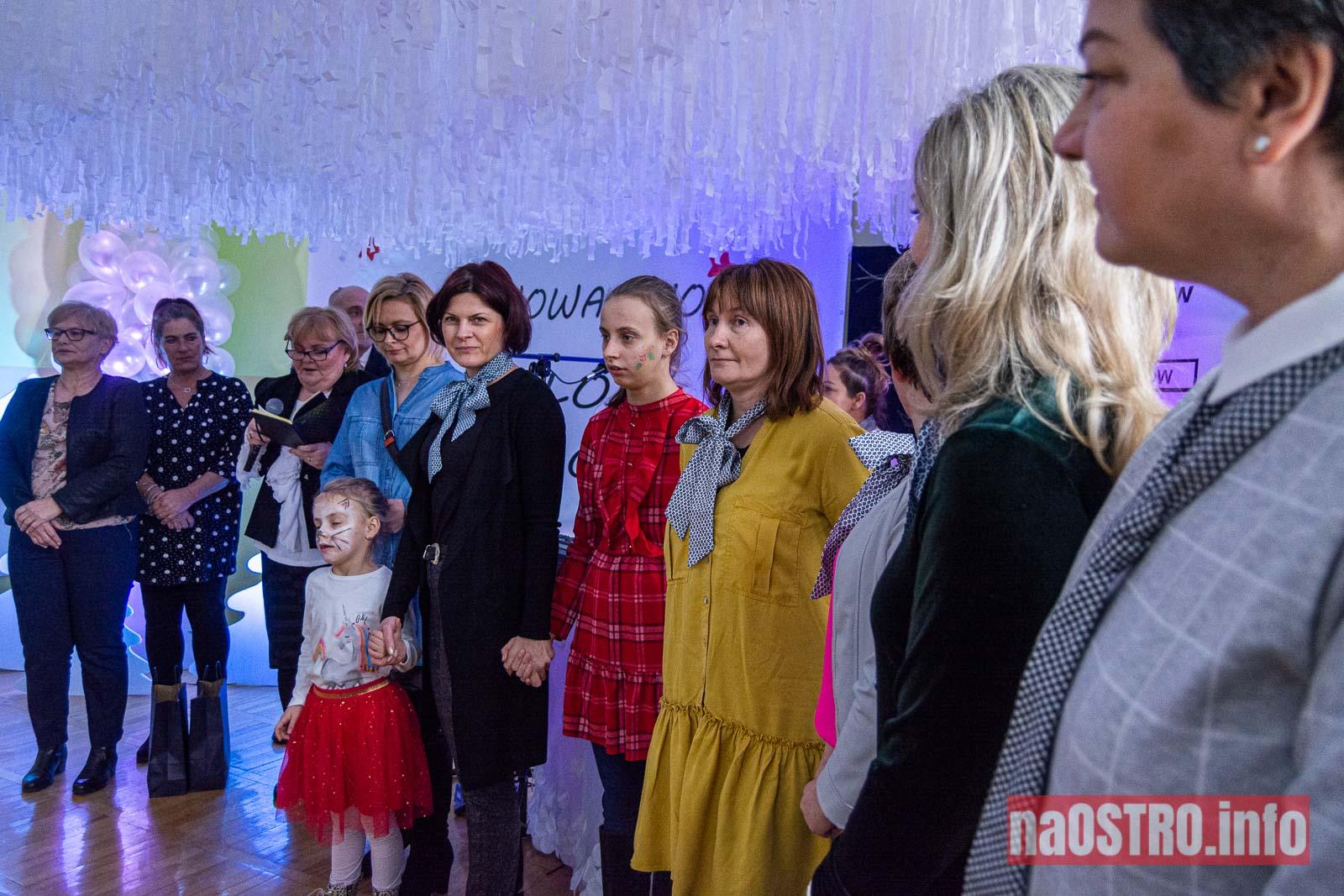 NaOSTRO I Choinka Porcelanowa ćmielów 2020-6