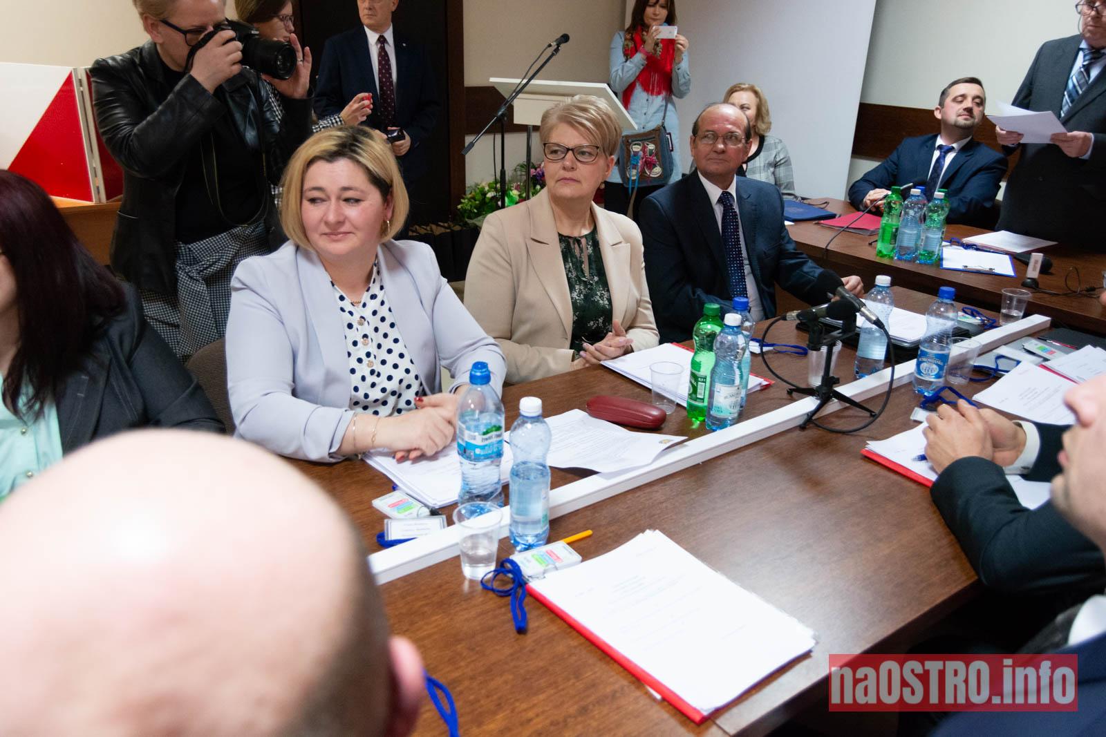 NaOSTRO I Sesja Rady Gminy Bałtów 2002-6
