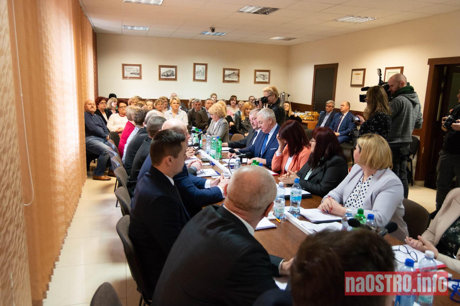 NaOSTRO I Sesja Rady Gminy Bałtów 2002-8