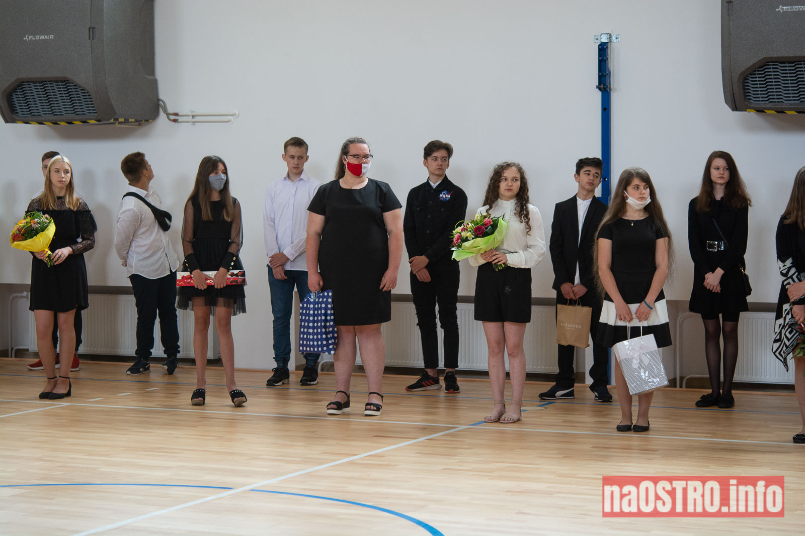 NaOSTROinfo Zakończenie Roku Szkolengo 8 klas Bałtów-1002