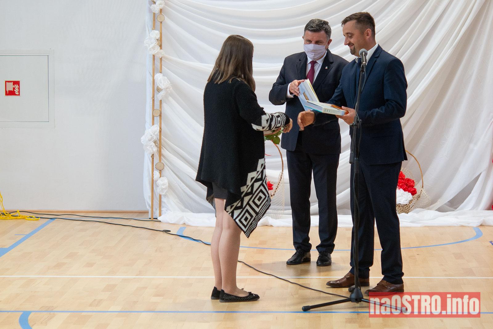 NaOSTROinfo Zakończenie Roku Szkolengo 8 klas Bałtów-1012