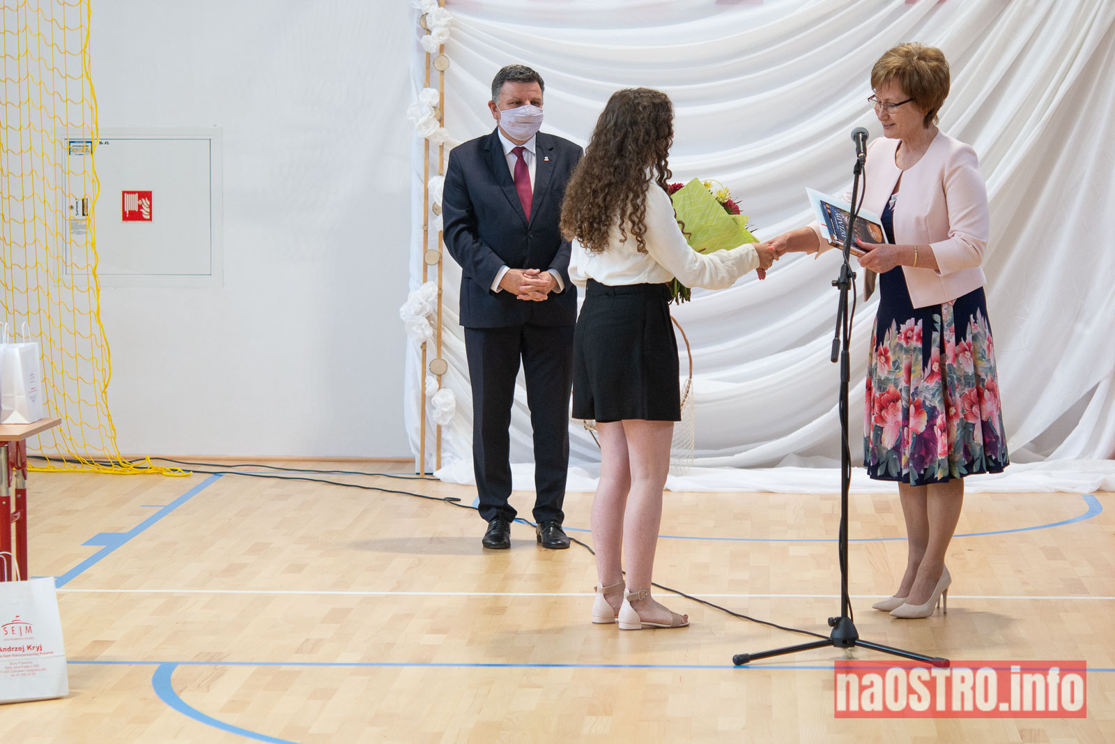 NaOSTROinfo Zakończenie Roku Szkolengo 8 klas Bałtów-1013