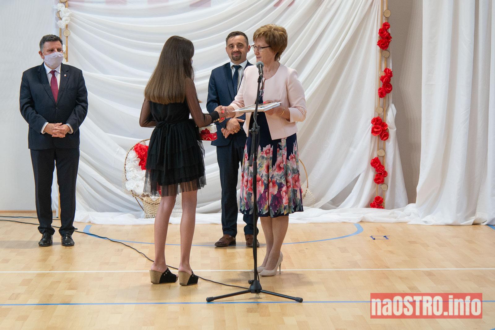 NaOSTROinfo Zakończenie Roku Szkolengo 8 klas Bałtów-1015