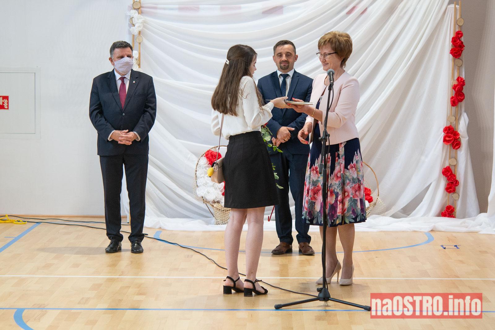 NaOSTROinfo Zakończenie Roku Szkolengo 8 klas Bałtów-1020