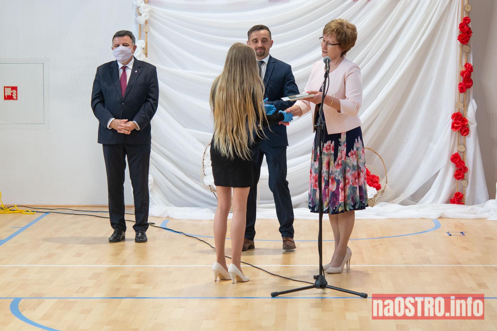 NaOSTROinfo Zakończenie Roku Szkolengo 8 klas Bałtów-1023