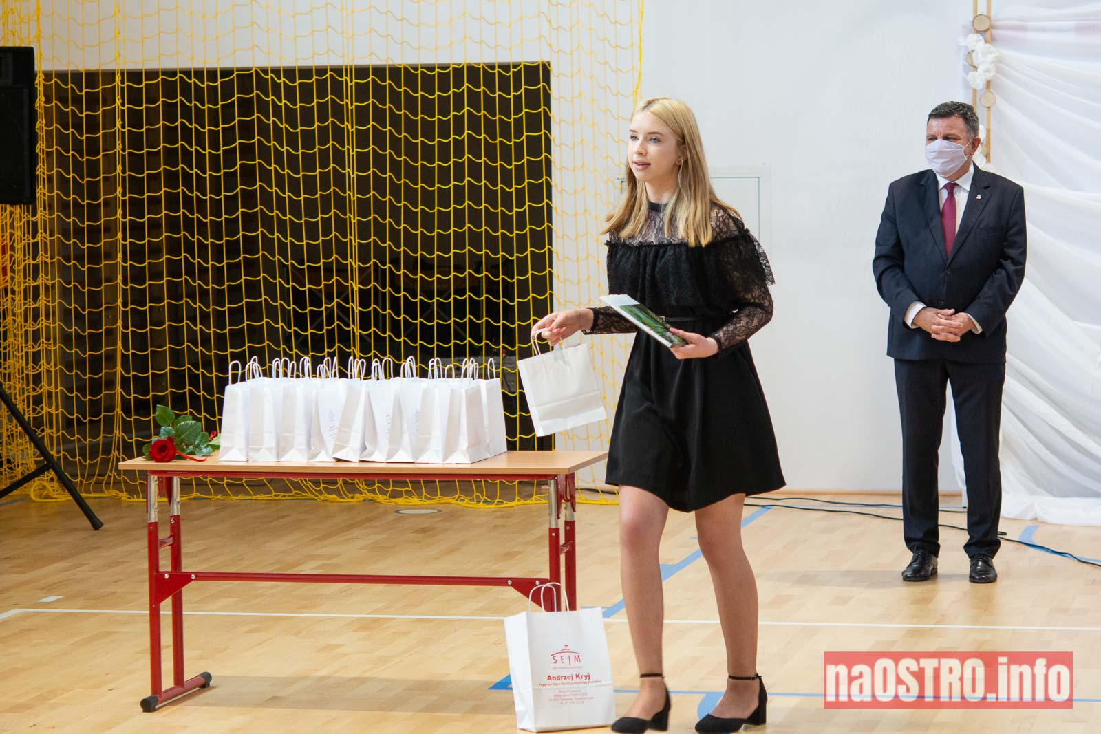 NaOSTROinfo Zakończenie Roku Szkolengo 8 klas Bałtów-1025