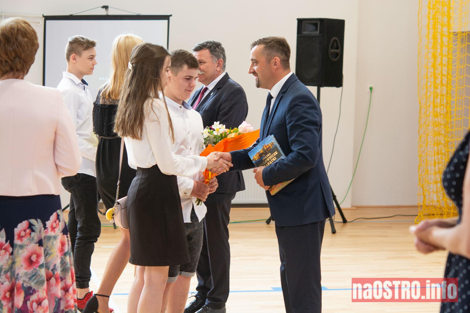 NaOSTROinfo Zakończenie Roku Szkolengo 8 klas Bałtów-1032