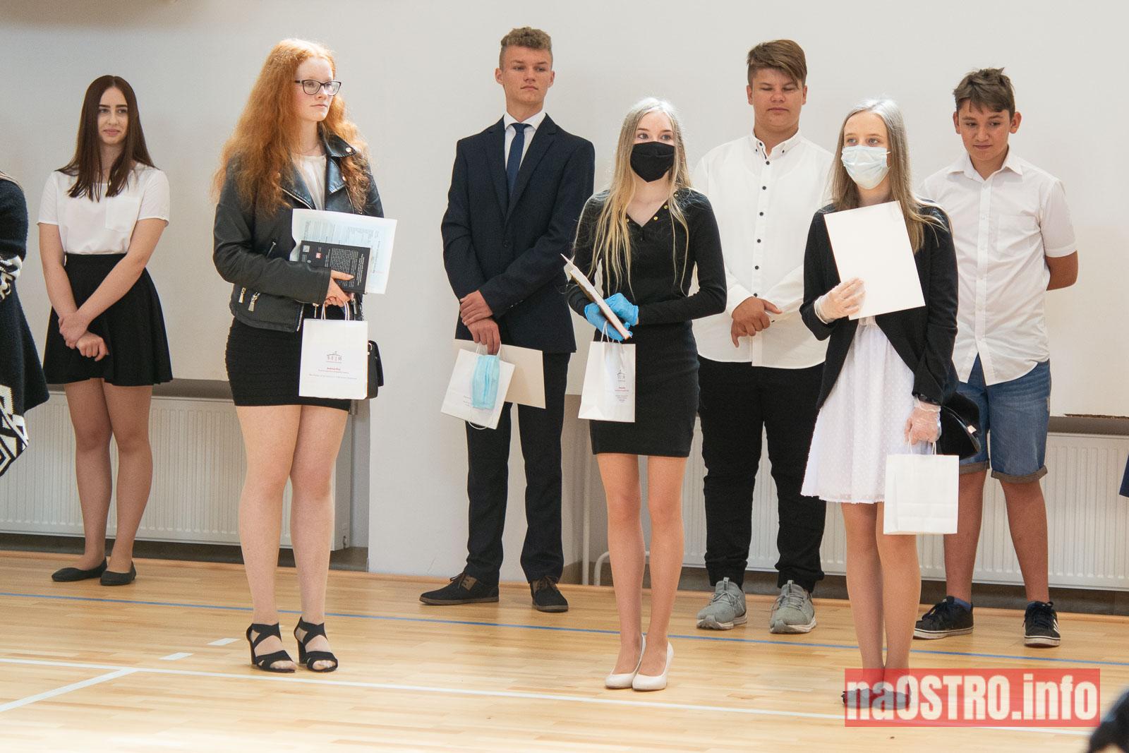 NaOSTROinfo Zakończenie Roku Szkolengo 8 klas Bałtów-1035