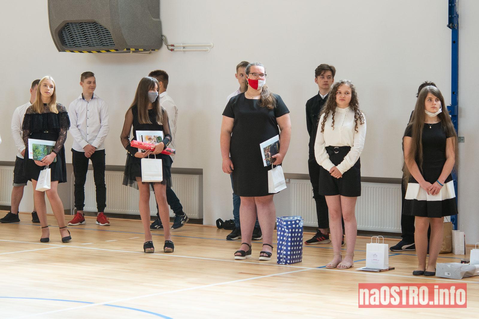 NaOSTROinfo Zakończenie Roku Szkolengo 8 klas Bałtów-1037
