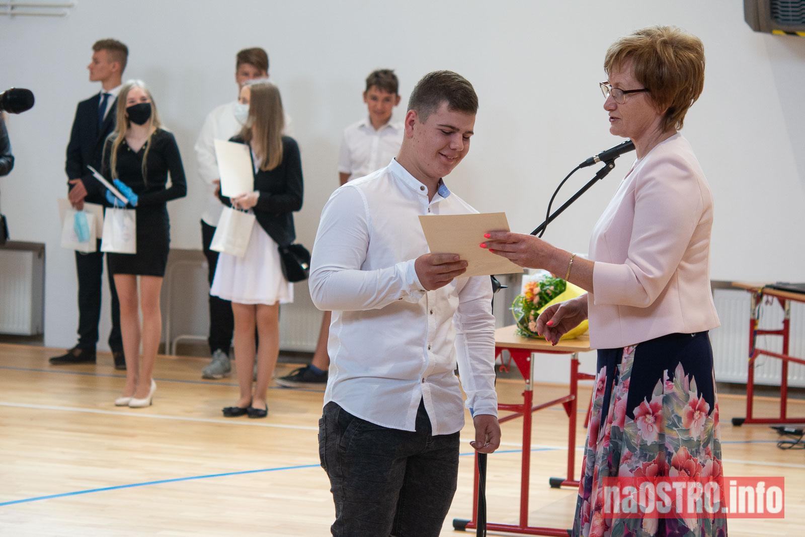 NaOSTROinfo Zakończenie Roku Szkolengo 8 klas Bałtów-1041