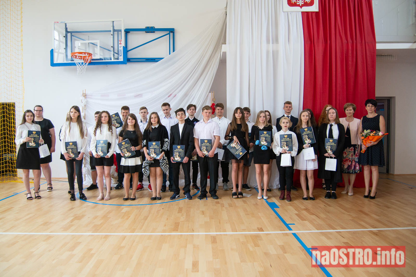 NaOSTROinfo Zakończenie Roku Szkolengo 8 klas Bałtów-1047