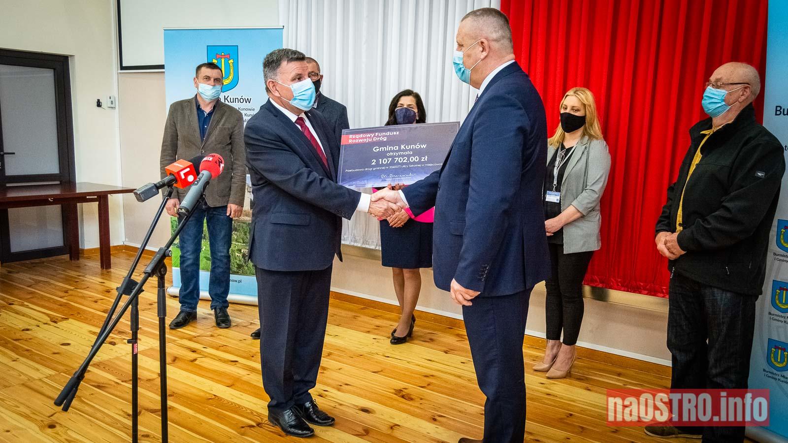 NaOSTROinfo czek ul Szkolna Janik-5