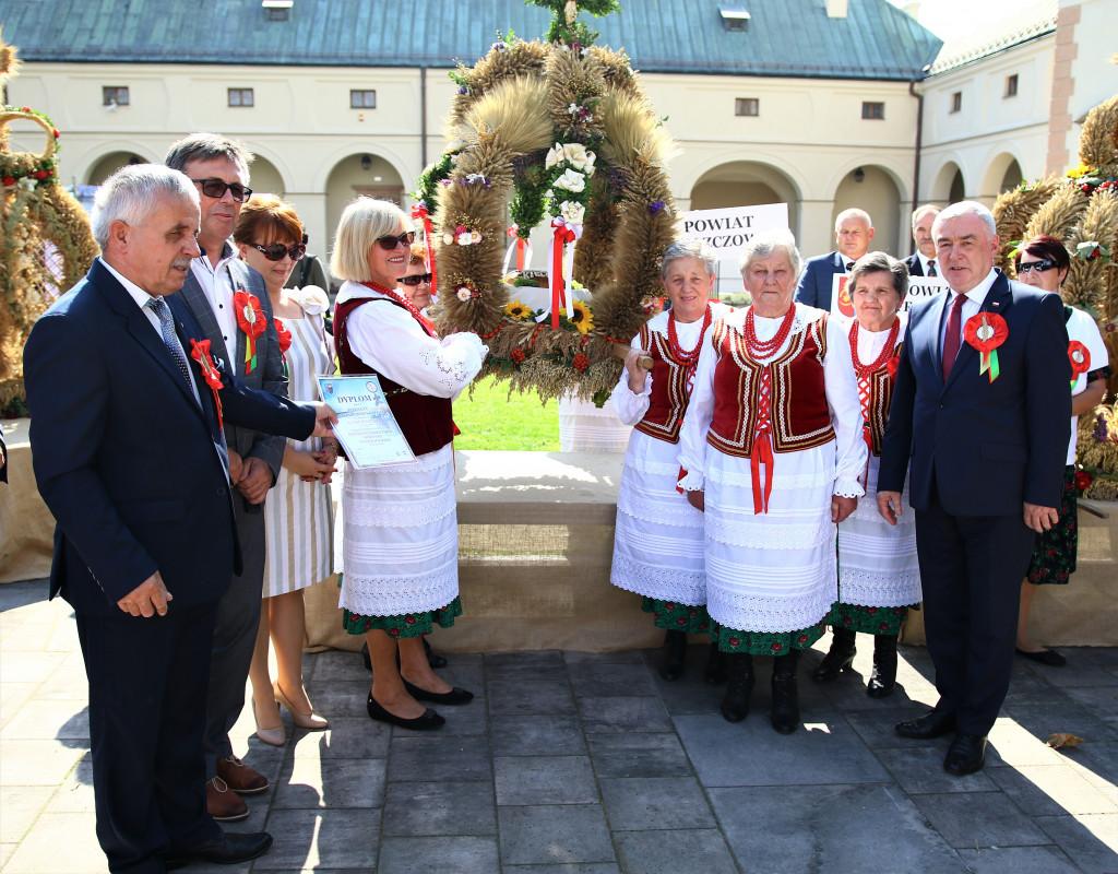 Delegacja-powiatu-wloszczowskiego-1024x800
