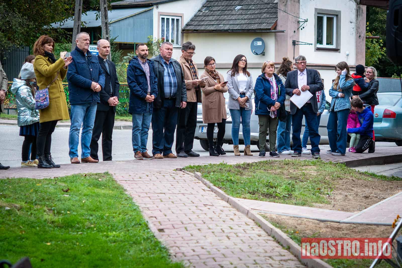 NaOSTROinfo Fabryka Tektury Witulin rzeźba odsłonięcie-7